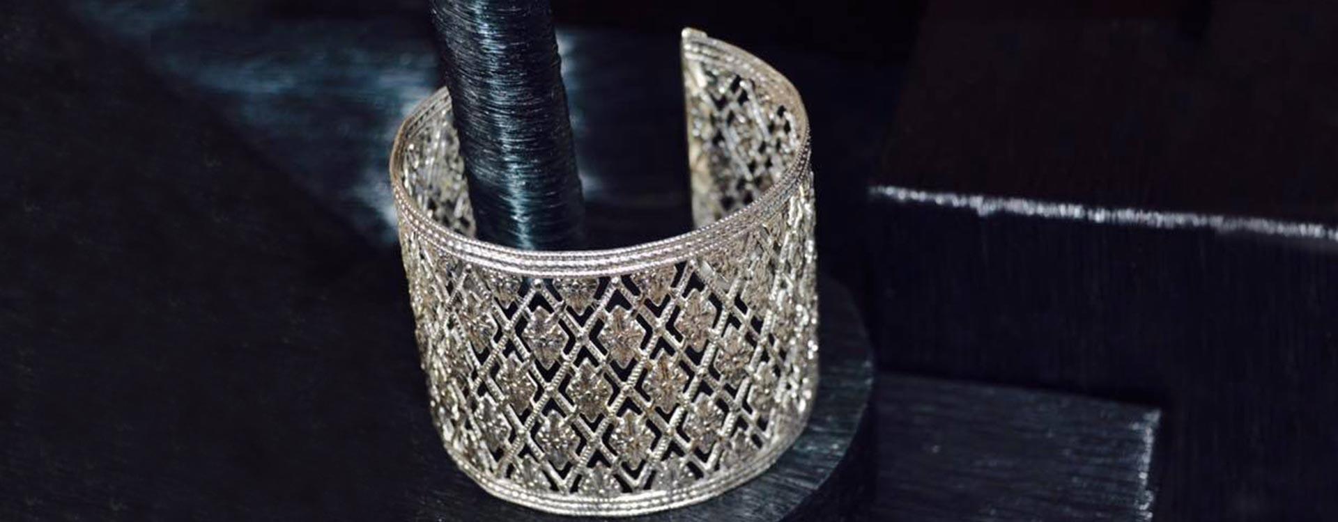 Bracelet grillage vieil argent