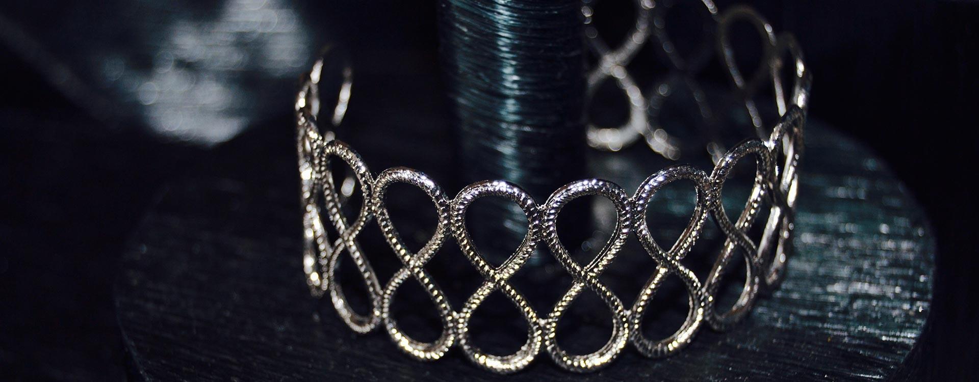 Silvery eternity bracelet